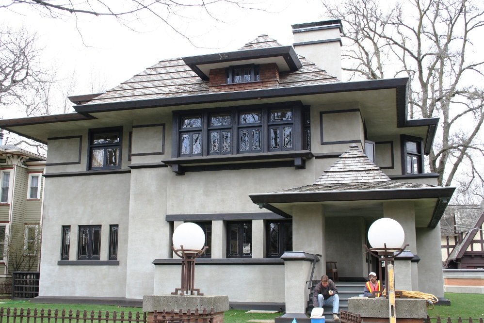 Prairie and Foursquare Architectural Styles of America and Europe