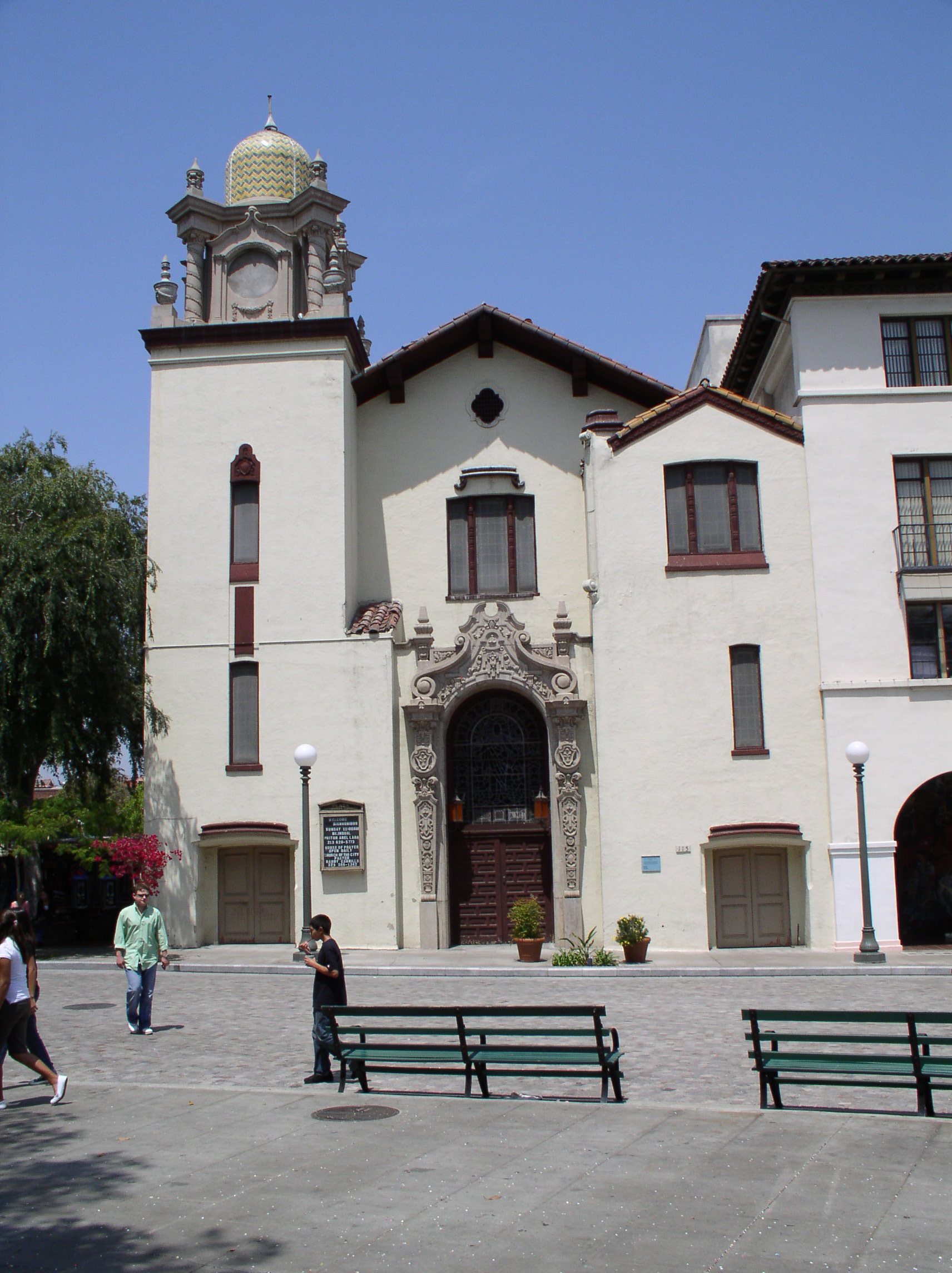 Spanish colonial architecture characteristics - Los Angeles