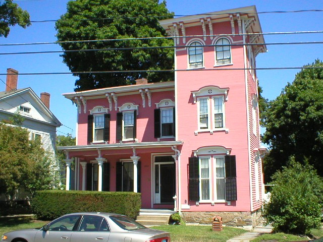 Italianate architectural styles of america and europe for Types of houses in america