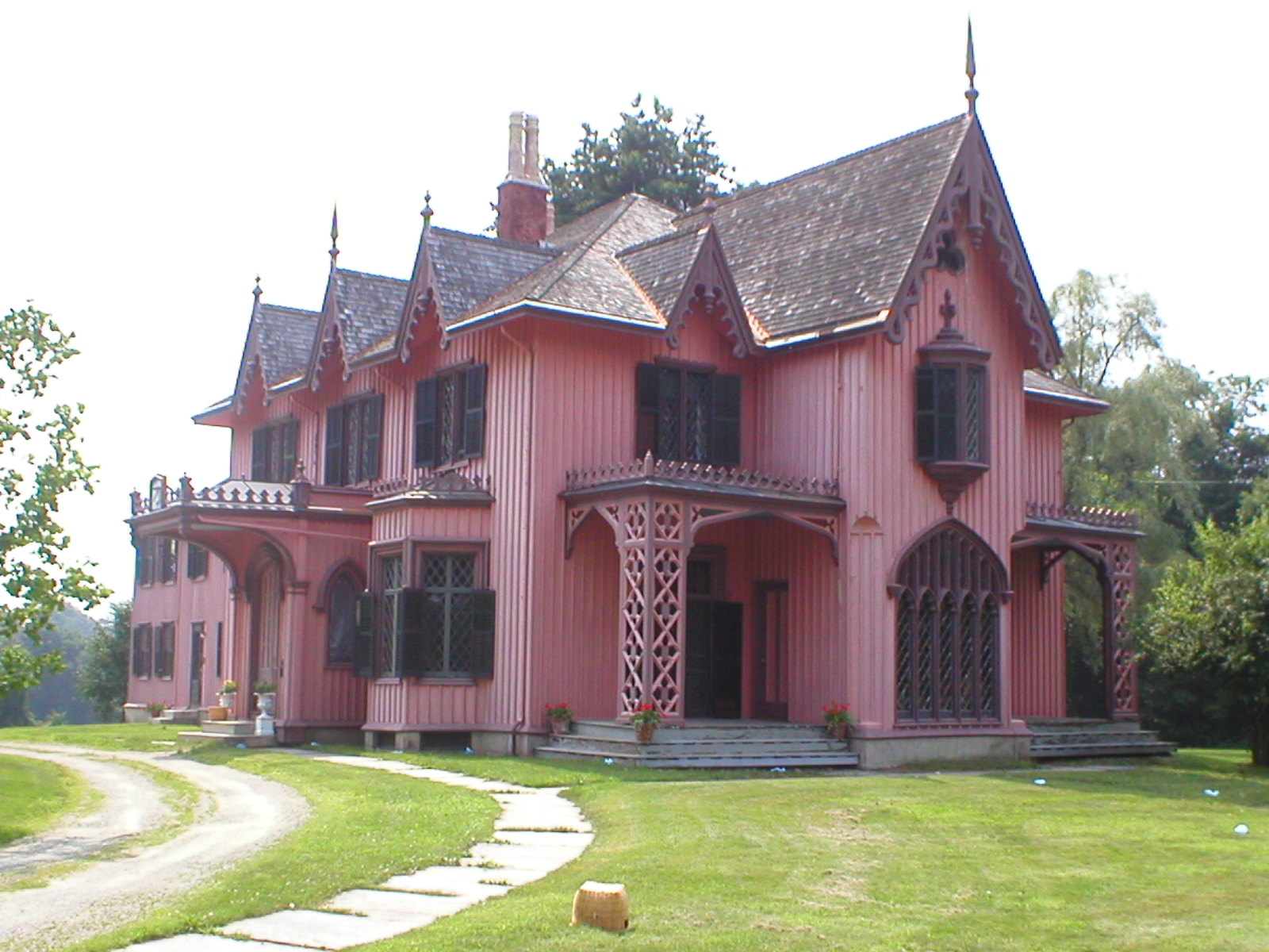 Carpenter gothic houses in the united states for Gothic cottage plans